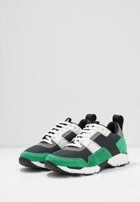 Marni - Sneaker low - platino/spring green - 2