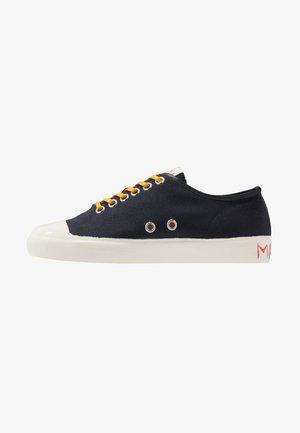 Sneakers laag - blublack