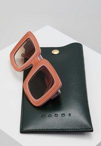 Marni - Sonnenbrille - pink - 2