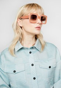 Marni - Sonnenbrille - pink - 1