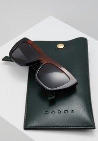 Marni - Okulary przeciwsłoneczne - black - 2