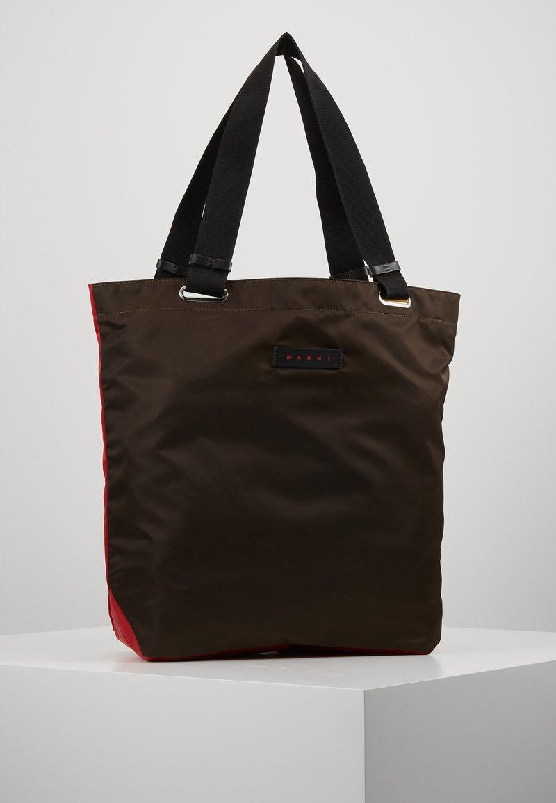 Marni - Shoppingväska - chesnut/red/cork