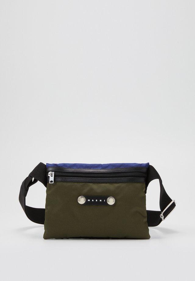 Across body bag - black/ultramarine/forest green