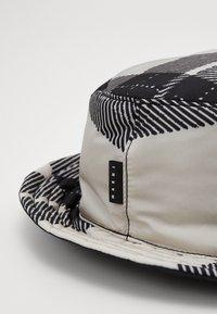 Marni - Chapeau - white/black - 5