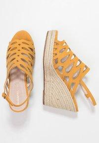 Mariamare - Korolliset sandaalit - mostaza - 3