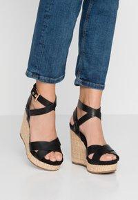 Mariamare - Korolliset sandaalit - black - 0