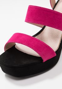 Mariamare - Korolliset sandaalit - fucsia - 2