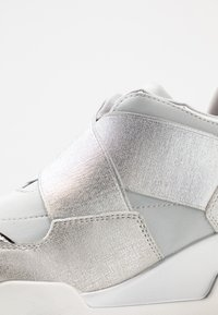 Mariamare - Trainers - light grey/silver - 2