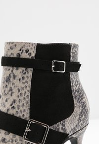 Mariamare - NORA - Ankle boots - stone - 2
