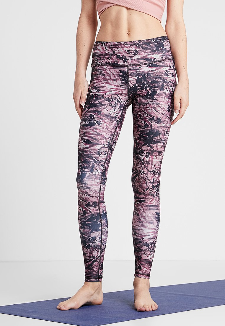 Manduka - FLORAL CAMO LEGGING - Leggings - fig multi