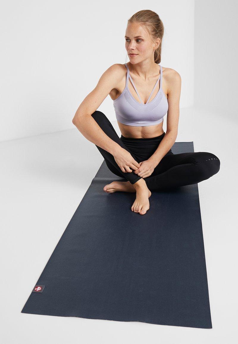 Manduka - EKO SUPERLITE YOGA MAT - Fitness/jóga - midnight