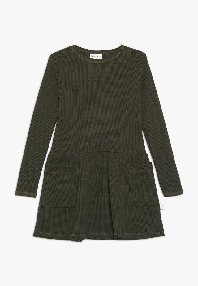 WAFFLE DRESS - Jerseykjoler - kombu green