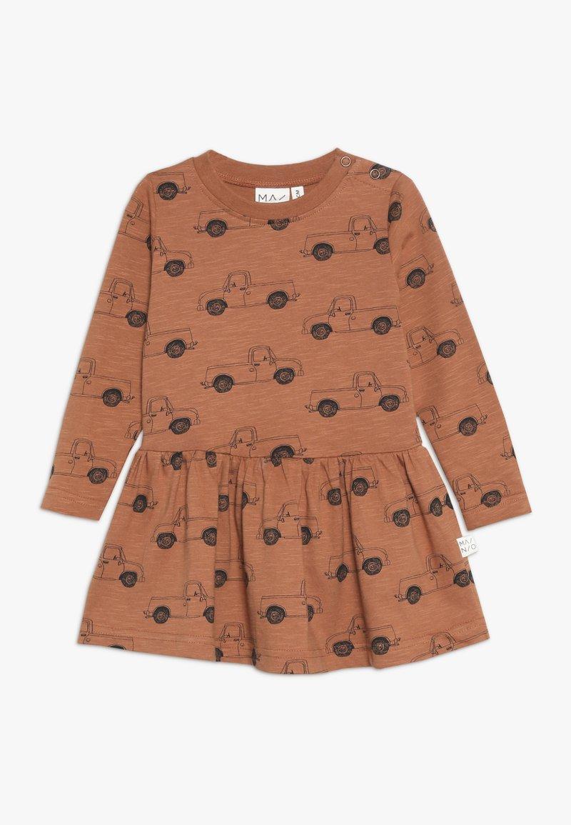 Mainio - PICK UP TRUCK DRESS - Trikoomekko - pecan brown
