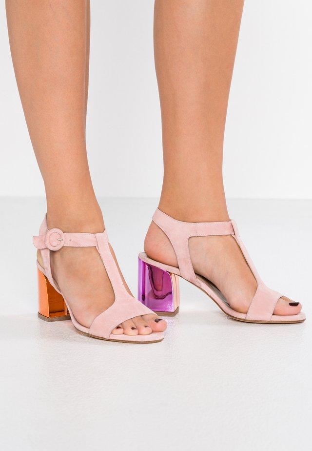 Sandaalit nilkkaremmillä - amalfi pink/sand