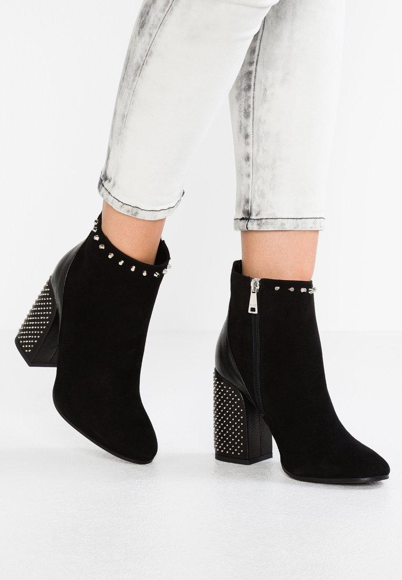 MA&LO - MAGDA - Kotníková obuv na vysokém podpatku - amalfi/nero
