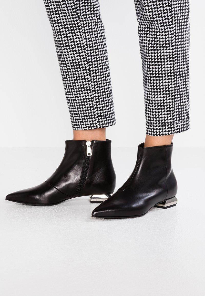 MA&LO - OLGA - Kotníkové boty - foulard nero