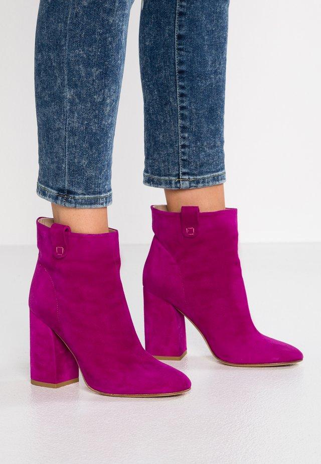 Højhælede støvletter - amalfi pink