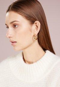 Maria Black - RUBY HOOP  - Ohrringe - gold-coloured - 1