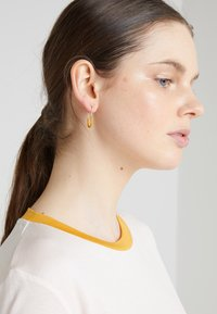 Maria Black - CHANCE MINI HONEY - Pendientes - gold-coloured - 1