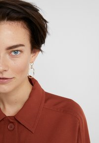 Maria Black - POND EARRING - Pendientes - gold-coloured - 1