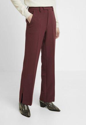 MILENA - Kalhoty - red mahogany