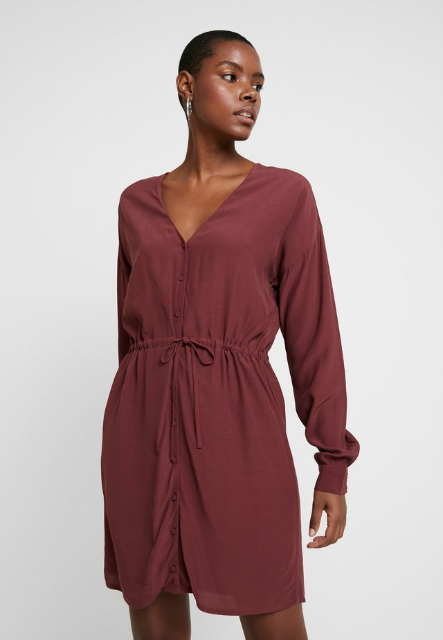 ASIL - Day dress - red mahogany