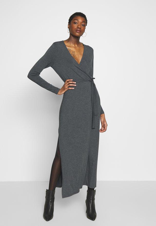 Pouzdrové šaty - dark grey melange