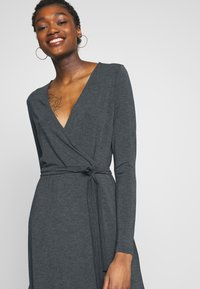 mbyM - Pouzdrové šaty - dark grey melange - 4
