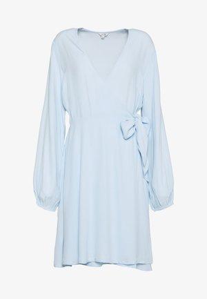 MONSON - Korte jurk - light blue