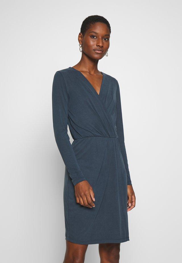MADENA - Jersey dress - vulcan