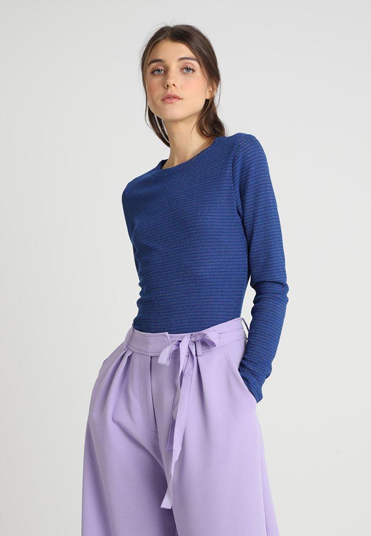mbyM - SEVELIA - Langarmshirt - blue/multi