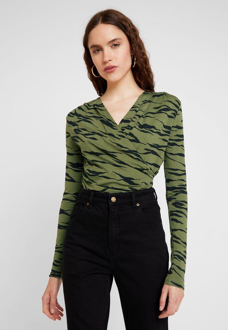 mbyM - LIONE - T-shirt à manches longues - dark green/black