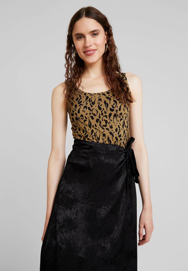 mbyM - SINA - Linne - brown/black