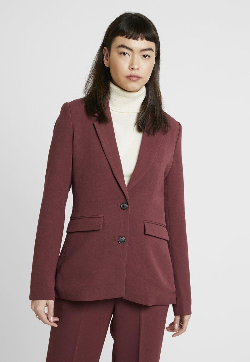 mbyM - PETRONELLA - Krótki płaszcz - red mahogany