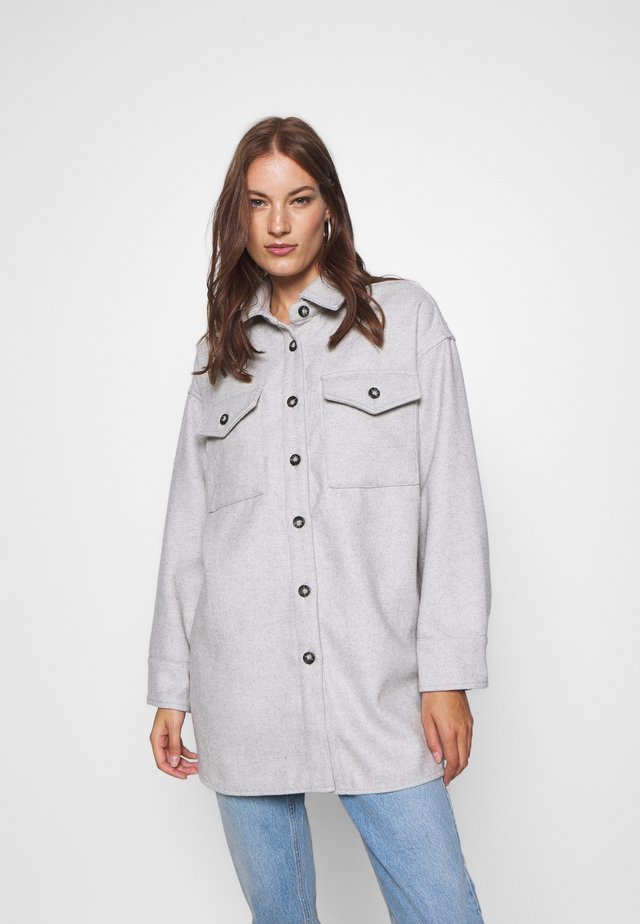 GAVIN - Manteau court - grey/white