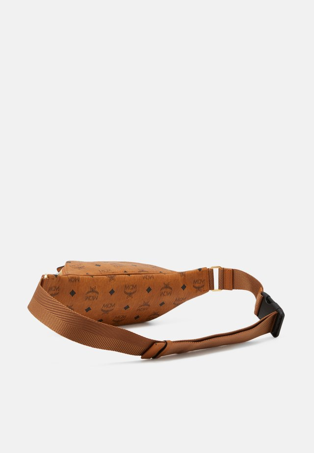 FURSTEN VISETOS BELT BAG SMALL UNISEX - Vyölaukku - cognac