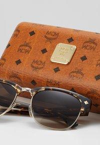 MCM - Sonnenbrille - shiny gold/tortoise - 2