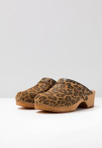 Moheda Toffeln - LENA - Clogs - light brown - 4