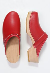 Moheda Toffeln - LINA - Clogs - red - 2
