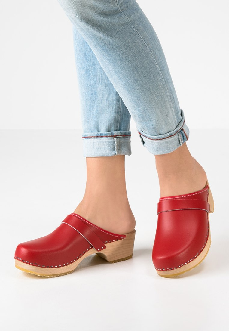 Moheda Toffeln - LINA - Clogs - red