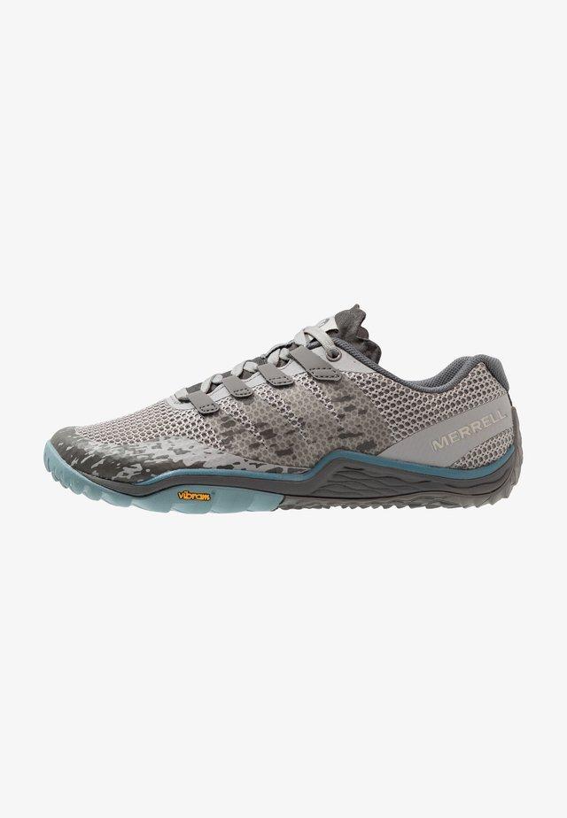 TRAIL GLOVE 5 - Minimalist running shoes - paloma
