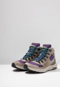 Merrell - ONTARIO 85 MID WP - Chaussures de marche - acai - 2