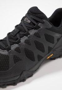 Merrell - SIREN 3 GTX - Outdoorschoenen - black - 5