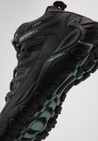 Merrell - ACCENTOR SPORT MID GTX - Chaussures de marche - black/aquifer - 5