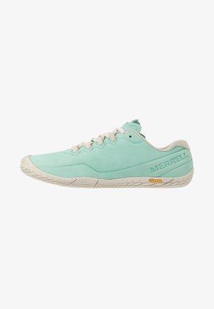 VAPOR GLOVE 3 LUNA - Minimalist running shoes - wave