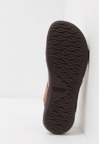 Merrell - DISTRICT KANOYA STRAP - Walking sandals - carob - 4