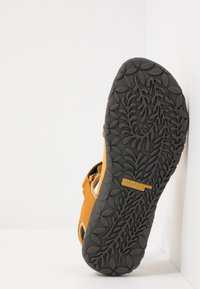 Merrell - TERRAN CROSS II - Walking sandals - gold - 4
