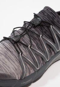 Merrell - BARE ACCESS FLEX  - Chaussures de running neutres - yellow/green - 5