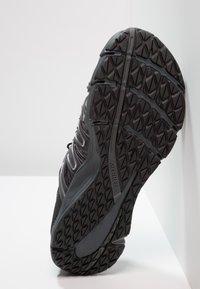 Merrell - BARE ACCESS FLEX  - Chaussures de running neutres - yellow/green - 4