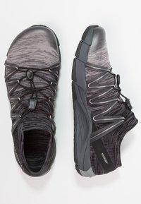 Merrell - BARE ACCESS FLEX  - Chaussures de running neutres - yellow/green - 1
